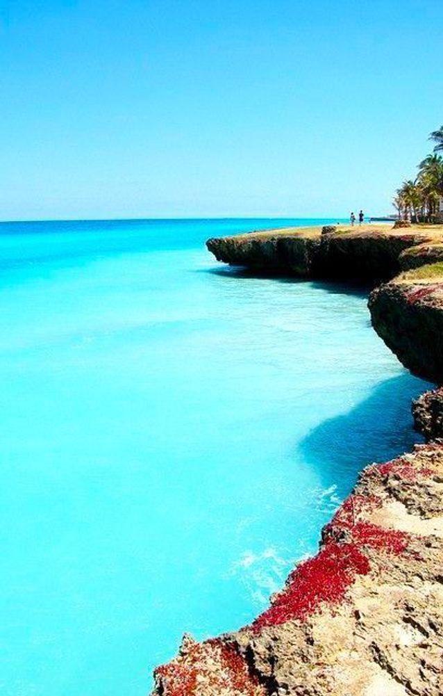 Pour son eau turquoise qui offre une certaine idée du paradis.