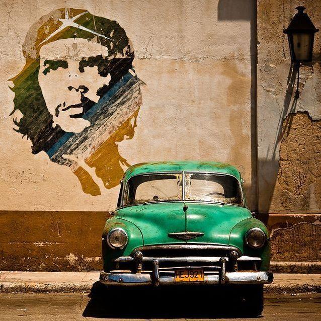 Pour son passé authentique qui a laissé son empreinte sur les murs de la capitale.