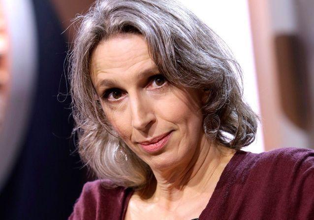 Mona Chollet, l'auteure de « Sorcière » dévoile sa bibliothèque pour demain