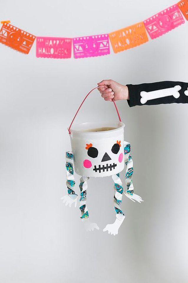 Panier de bonbons Halloween squelette