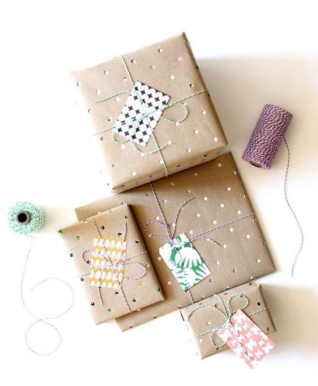 Emballage cadeau papier perforé