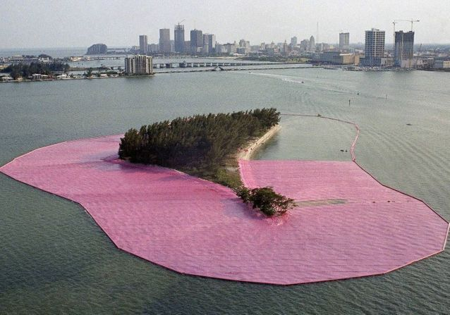 Christo : ses 5 œuvres qui nous emballeront toujours