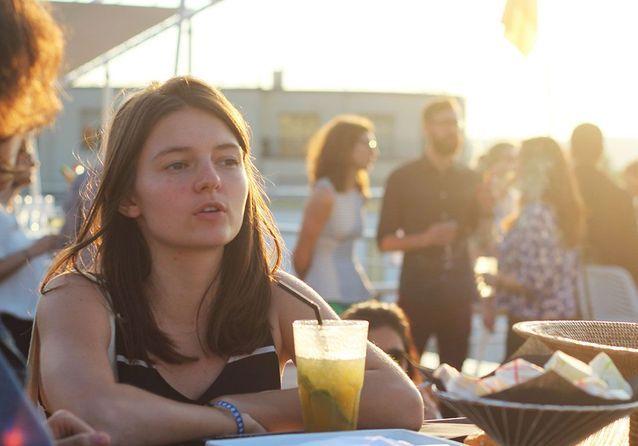 Le coucher de soleil sur le rooftop de l'hôtel Molitor