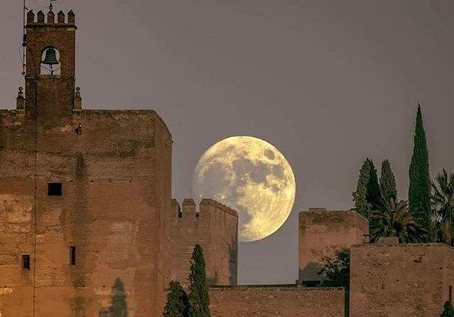 Super lune : les plus belles photos des internautes à travers le monde