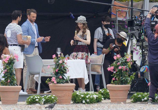 Lily Collins sur le tournage