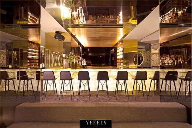 Un bar lounge à Paris 8