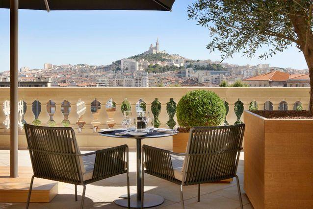 La terrasse de rêve de L'InterContinental Marseille - Hôtel-Dieu à Marseille (Bouches-du-Rhône)