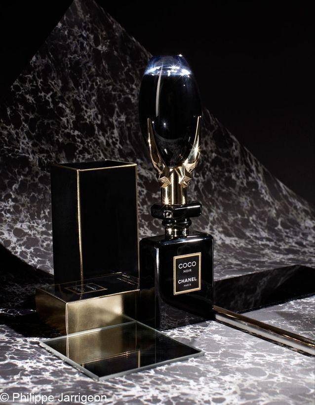 Fame de Lady Gaga, eau de parfum, 39 €. Coco Noir de Chanel, eau de parfum, 92 €.