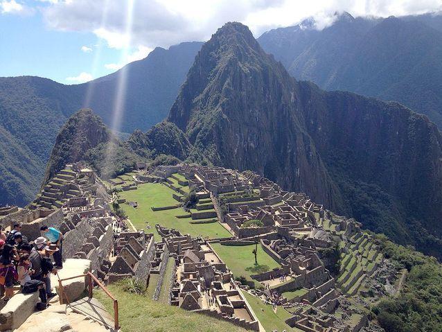 Regarder le soleil se lever sur le Machu Picchu