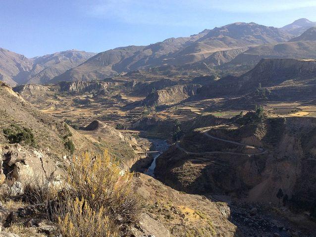 S'étourdir dans le Canyon del rio Colca