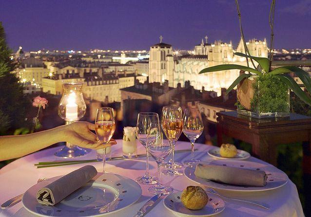 Dîner romantique avec vue sur les toits de Lyon