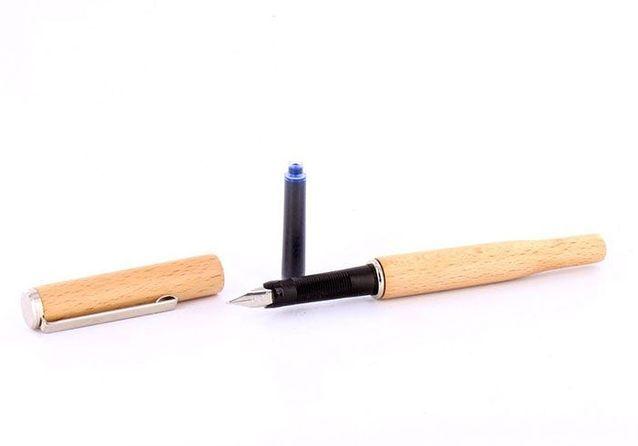 Crayon plume bois