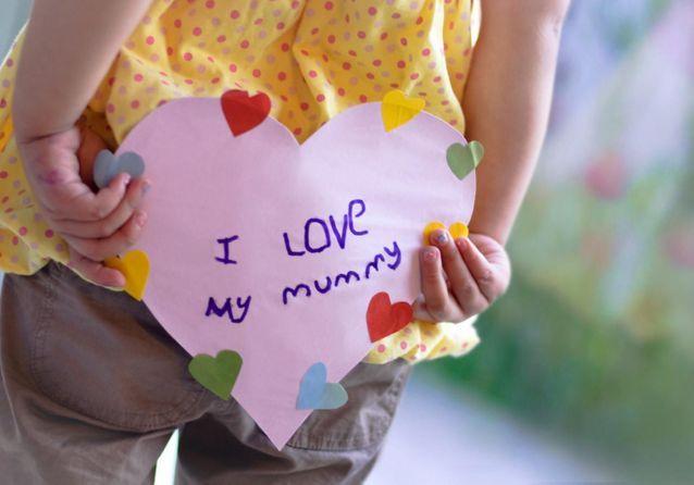 Fête des mères : ces 20 poèmes vont faire briller les yeux de votre maman