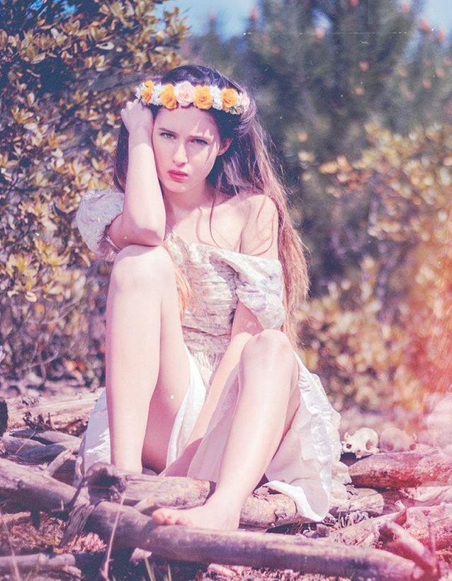 1. Une couronne de fleurs à la Kate Moss