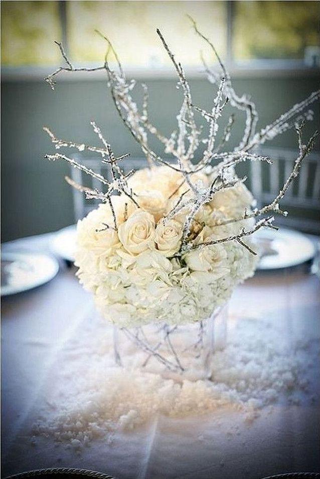 Bouquet de fleurs blanches givrées