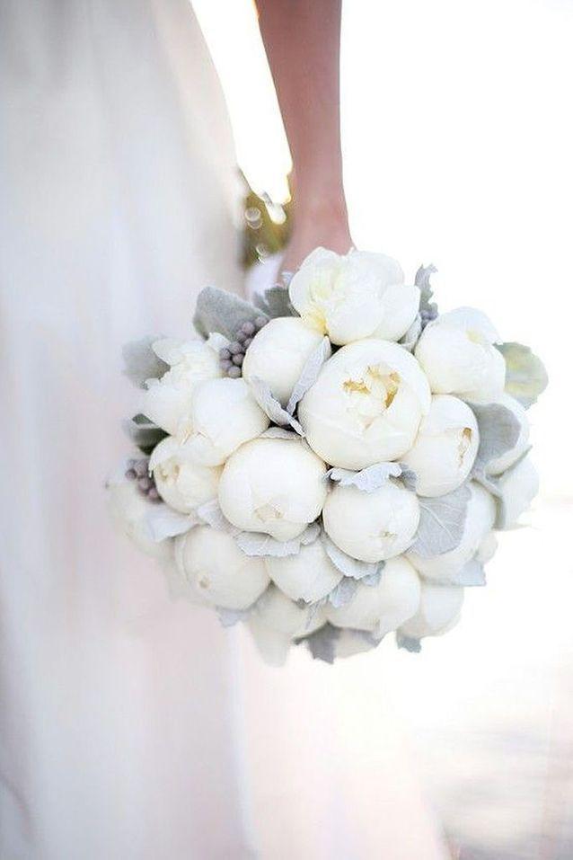 Bouquet de Fleurs blanches pour mariage printanier
