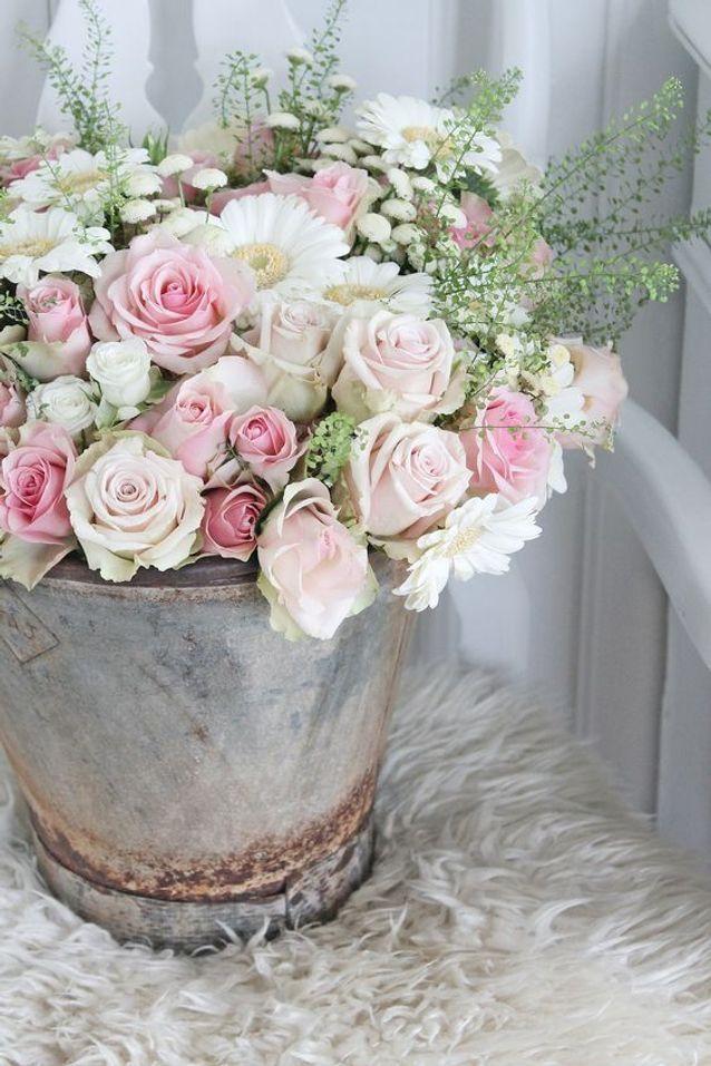 Bouquet de roses et marguerites