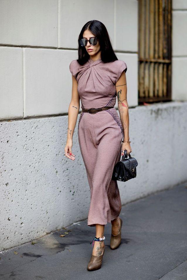 Une robe cintrée