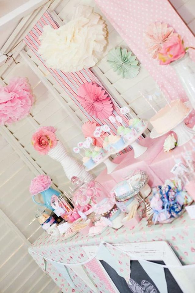 Décoration de table de mariage blanc et rose
