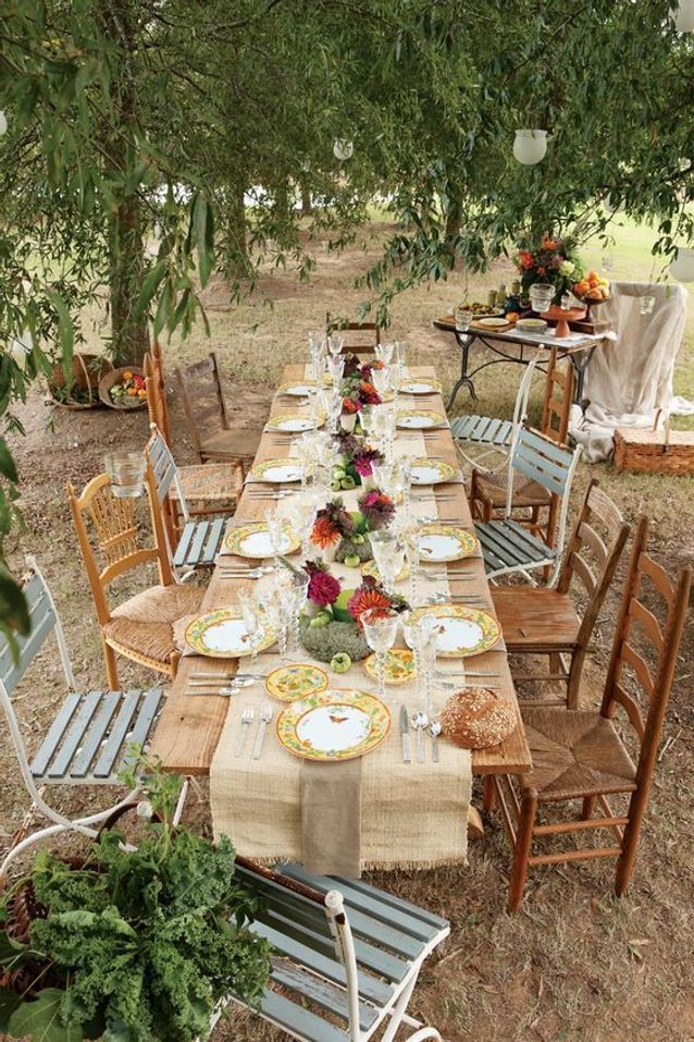Décoration de table de mariage pour l'extérieur