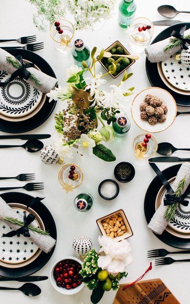 Décoration de table mariage argent et blanc