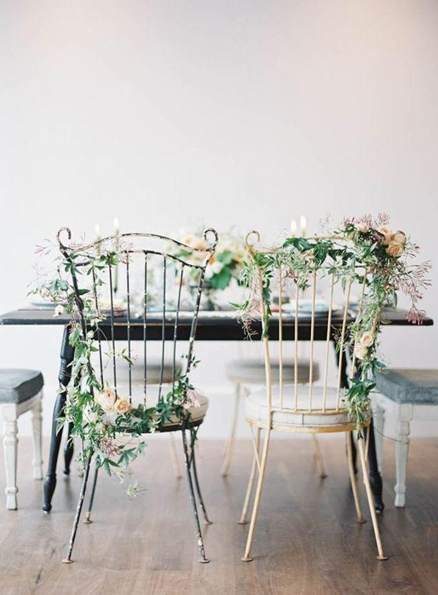 Chaise de mariage fleurie