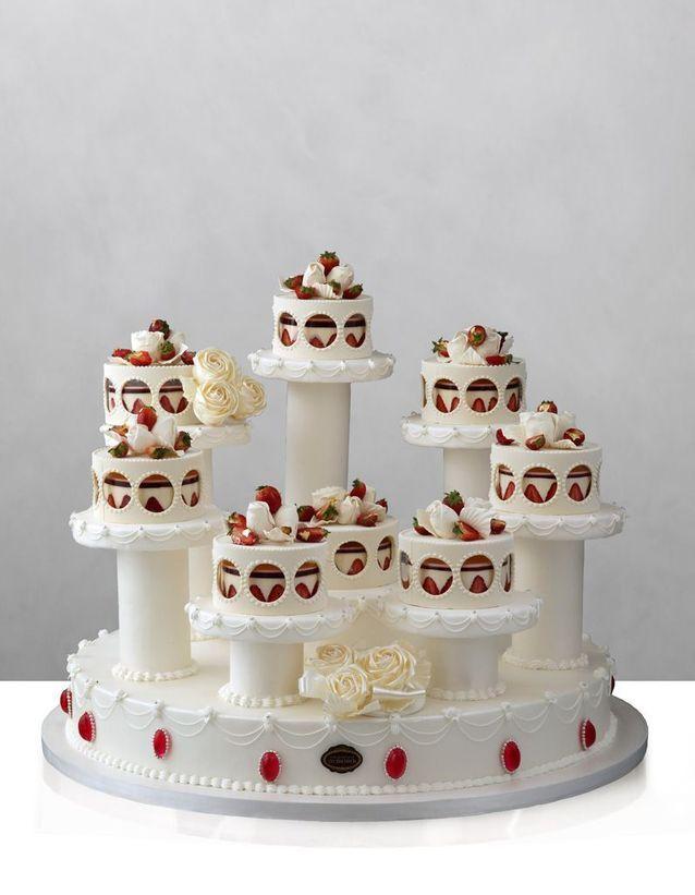 Pièce montée de mariage en fraisier Café Pouchkine