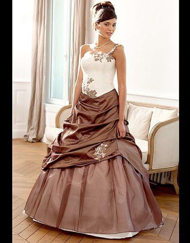 Robe de mariage marron et ivoire
