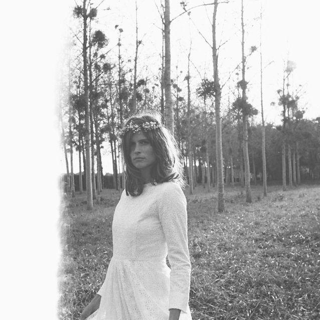 La robe de mariée Flowers en noir et blanc