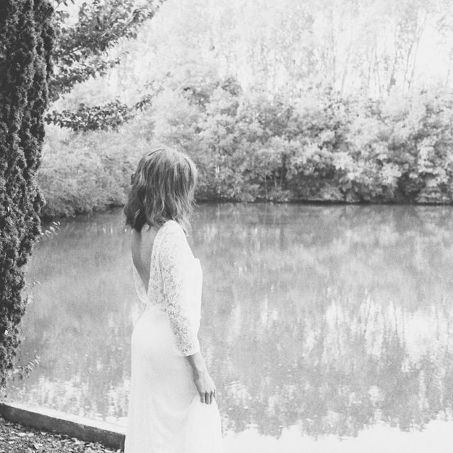 Le décolleté en V de dos de la robe de mariée Love Love Love