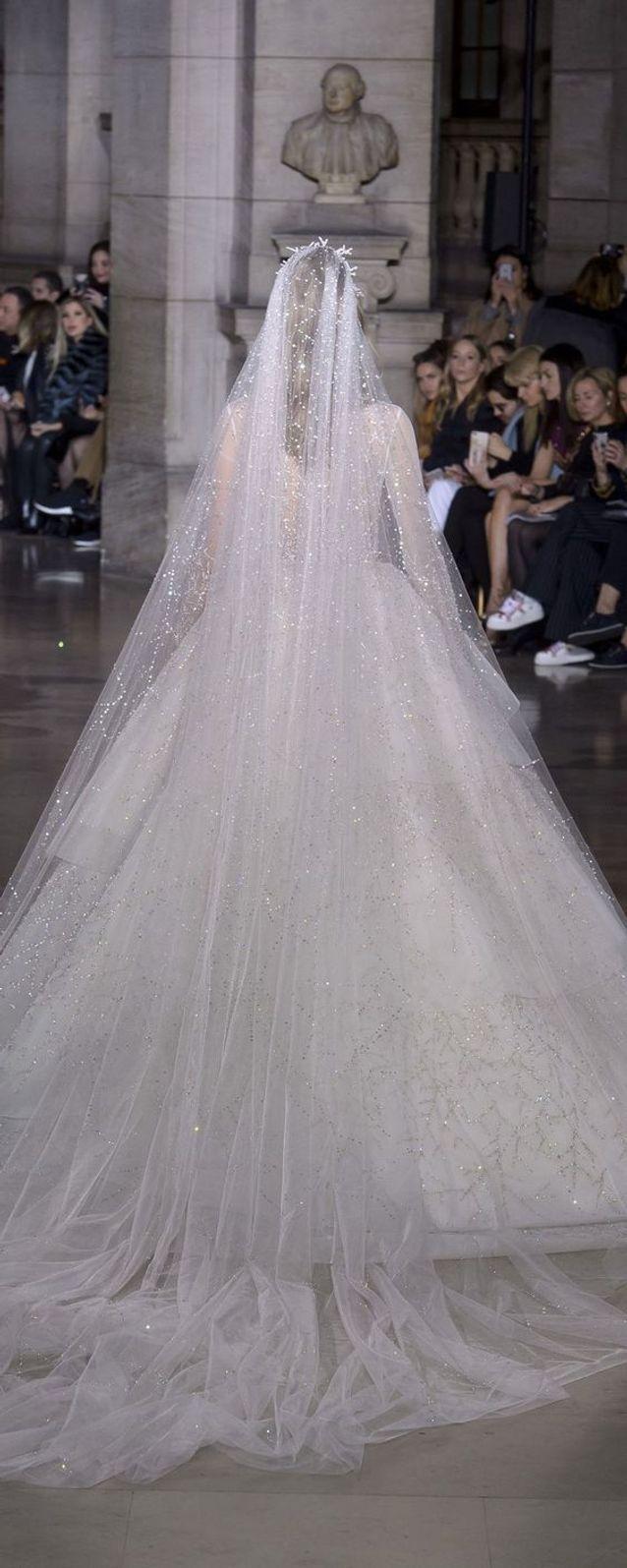 Robe De Mariée Princesse à Long Voile 66 Robes De Mariée