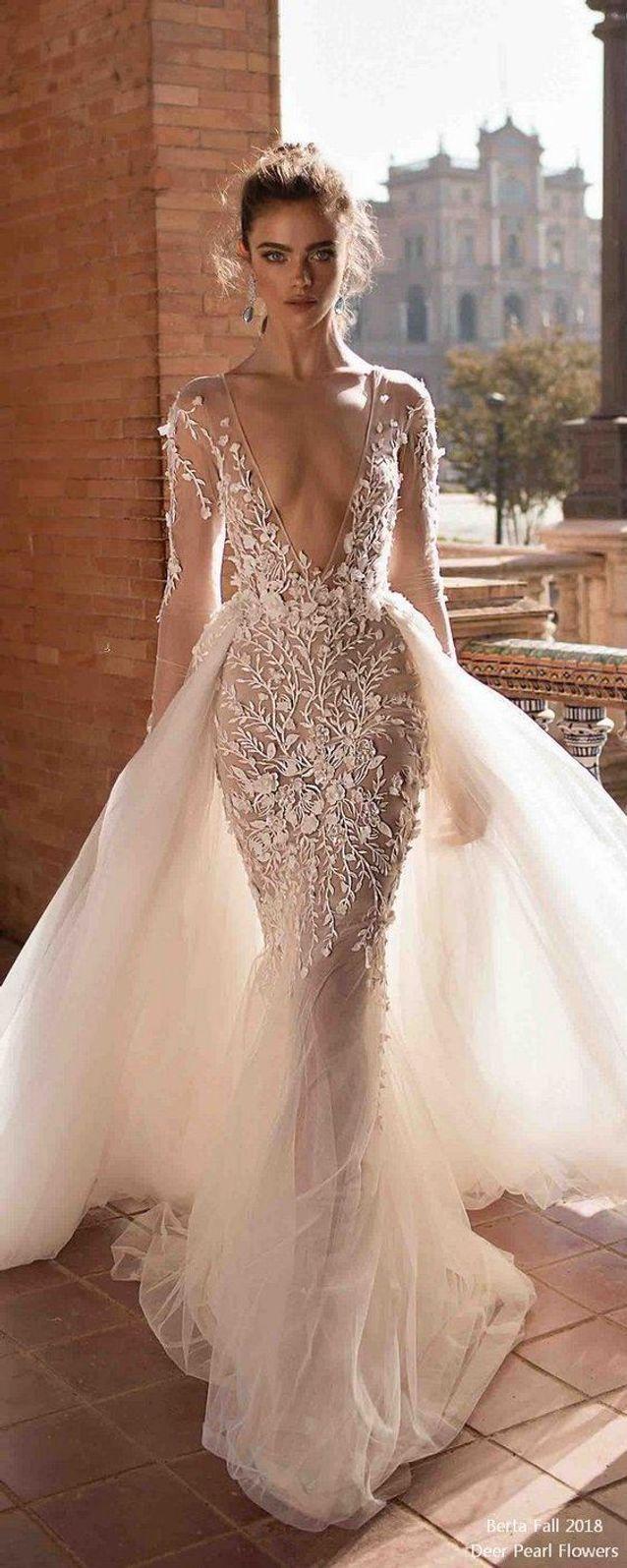 Robe de mariée princesse décolletée