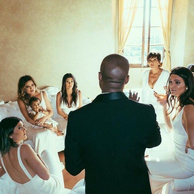 Les robes de demoiselle d'honneur du clan Kardashian/Jenner au mariage de Kim Kardashian et Kanye West