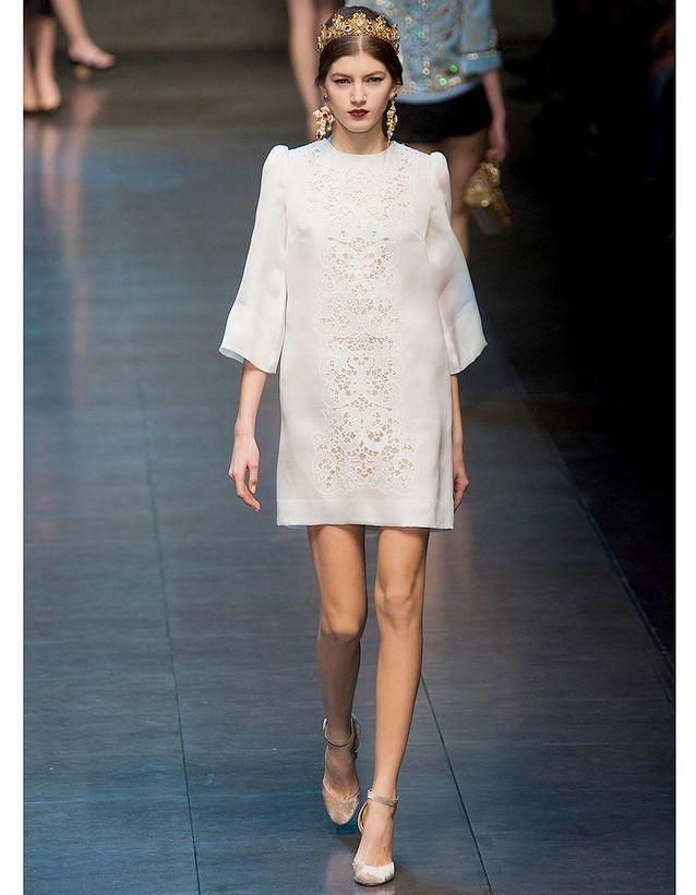 4da8a944fa4 La silhouette baroque de Dolce   Gabbana - Robes de mariée   30 ...