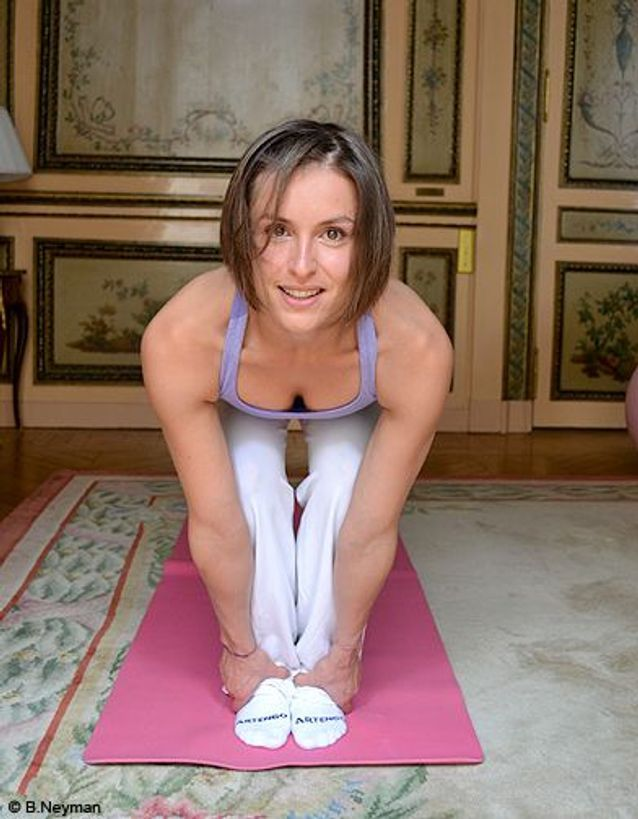 Minceur sport exercices coach julie ferrez echauffement sun salutation 3