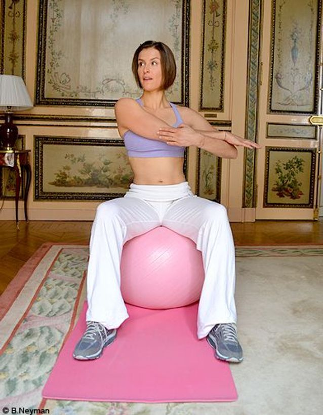 Minceur sport exercices coach julie ferrez bras etirement