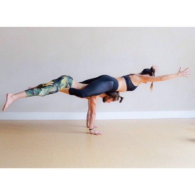 figure yoga a deux facile