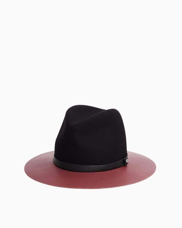 Tendance chapeaux de l'hiver : le bicolore