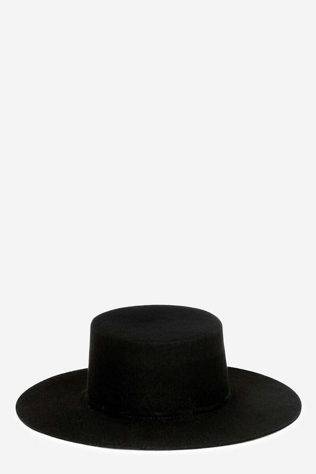 Tendance chapeaux de l'hiver : les lignes droites
