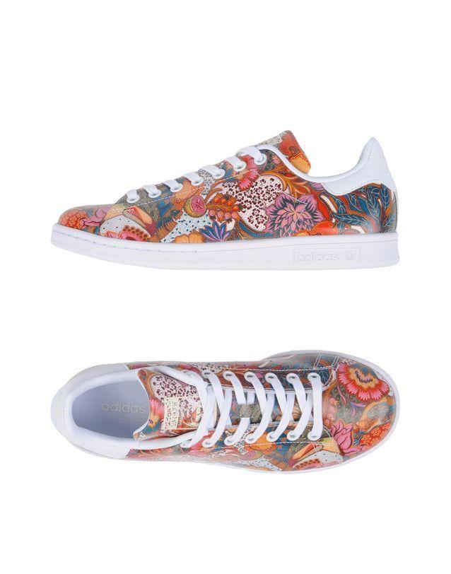 Baskets à fleurs Adidas