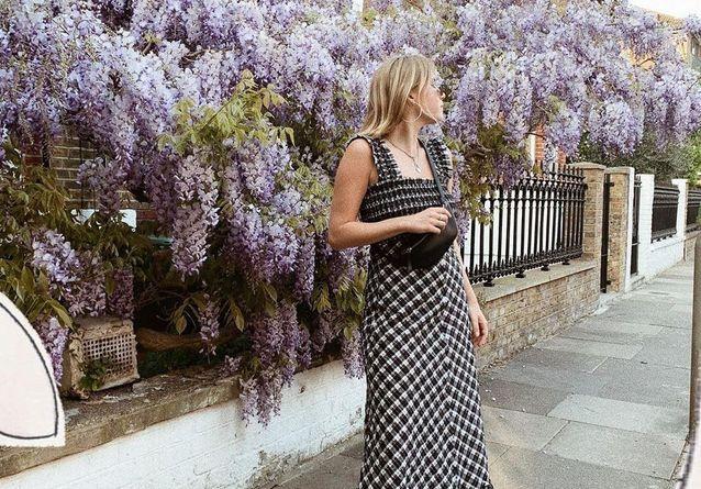 Cette robe a conquis le cœur des modeuses des quatre coins du globe