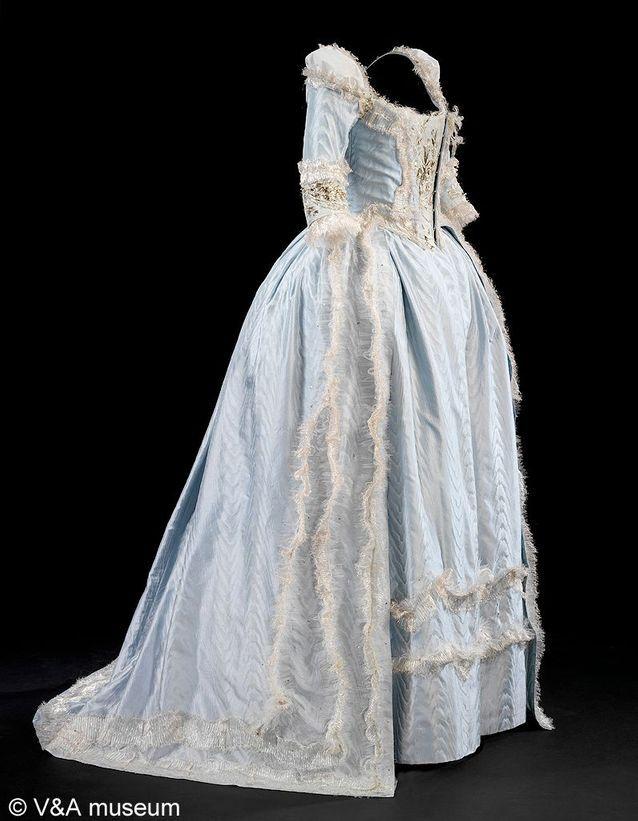 Costume Marie Antoinette Hollywood Costume L Expo Dont Tout Le Monde Parle Elle
