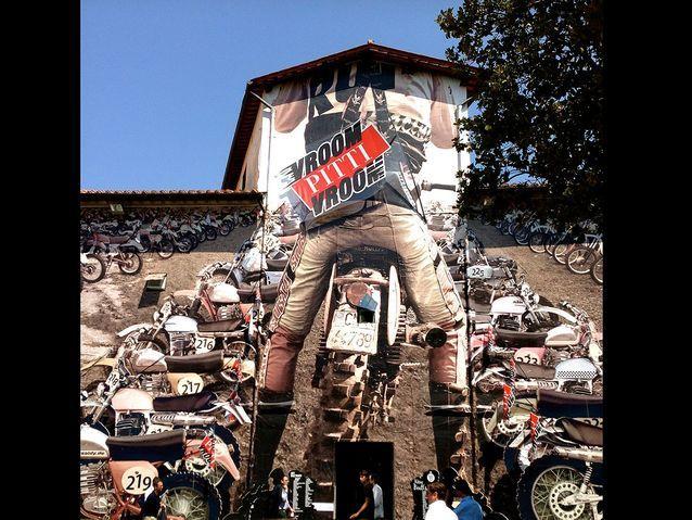 1. Il sera l'homme à la moto