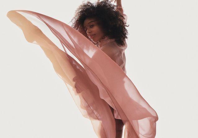 Série mode : ballet de transparence avec Chloé Lopes Gomes