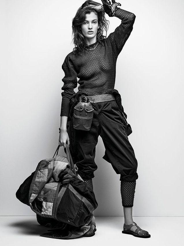 T-shirt, legging et sac à dos militaire, BRUT CLOTHING. Portée en pantalon, combinaison, F R A M E DENIM CHEZ ZALANDO. Collier en or jaune, TIFFAN...