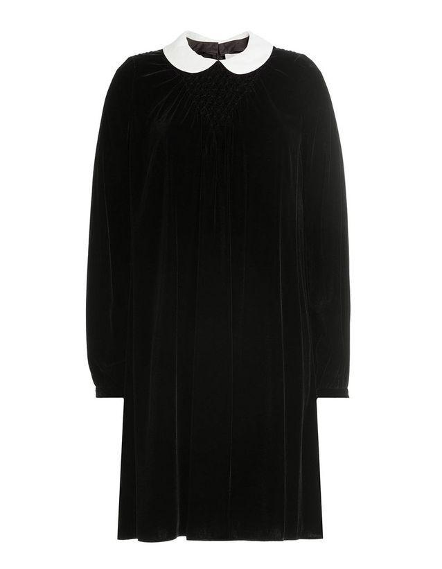 Robe en velours noir à col claudine