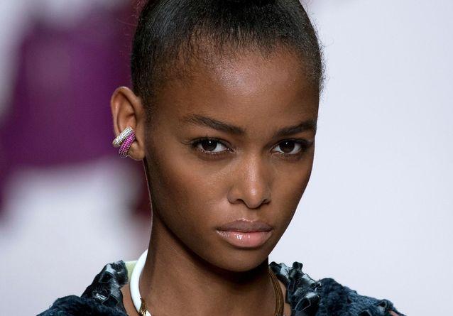 Ear cuff : cet accessoire est partout, mais vous ne l'aviez pas remarqué