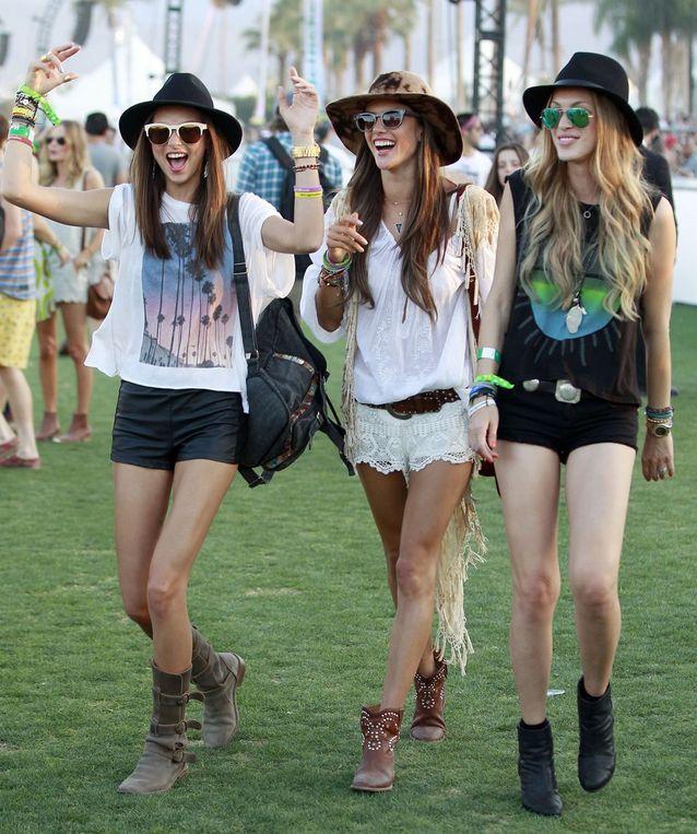Alessandra Ambrosio en bottines western à Coachella