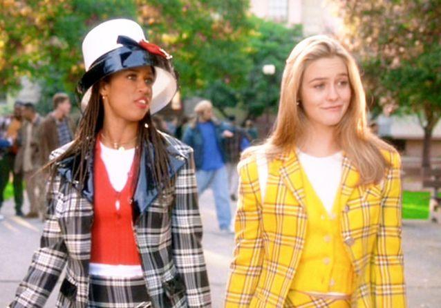 Alicia Silverstone : 26 ans plus tard, elle reporte son blazer iconique dans « Clueless »