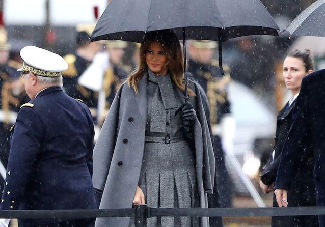 37ffc5ee0b5f Brigitte Macron et Melania Trump   retrouvailles de premières dames très  stylées sur les Champs Elysées